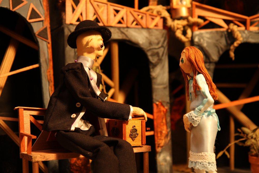 marionnette-de l'autre côté-gradelet-weclewicz